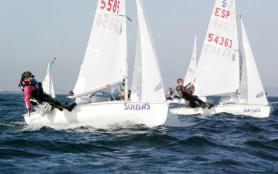 La flota del Mediterráneo manda en la ría viguesa tras la primera jornada del Campeonato de España de 420