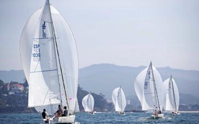 Las regatas vuelven a Baiona de la mano  de la Liga de Otoño AXA J80