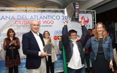 Yago Barca, del Náutico de Sanxenxo, conquista el Meeting Cidade de Vigo de Optimist