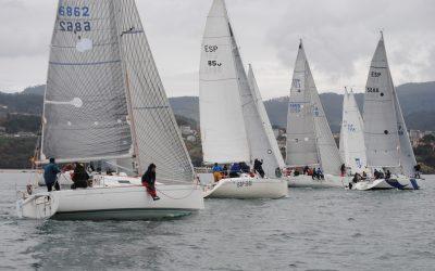 Todo por decidir en la última etapa del Trofeo Navidad de Cruceros, en la Ría de Pontevedra