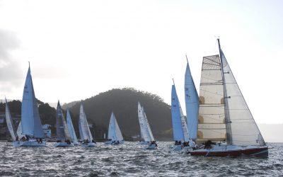 Entretenida segunda etapa del XXI Trofeo de Navidad cruceros en la Ría de Pontevedra, aun que con menos viento del esperado y mar de fondo