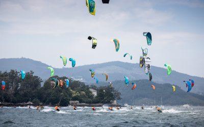 La ensenada de San Simón se prepara para acoger la tercera edición del KiteFest Cesantes