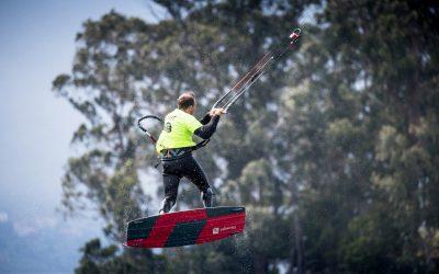Riders de primer nivel en la exhibición de Freestyle del III KiteFest Cesantes