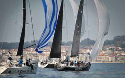 La 7ª Regata Interclubes llegará a su ecuador este sábado con la disputa de la tercera etapa en Sanxenxo